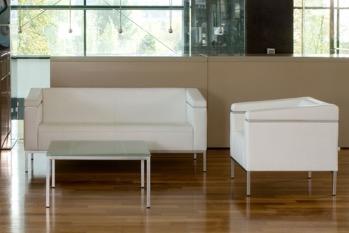Warteraum-Sofa