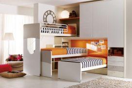 Platzsparend, wenn Freunde kommen: Stockbett mit 3 Betten