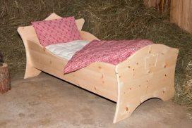 Kinderbett in Zirbenholz