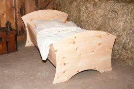 Kinderbett, verschiedene Designs, Massivholz Zirbe