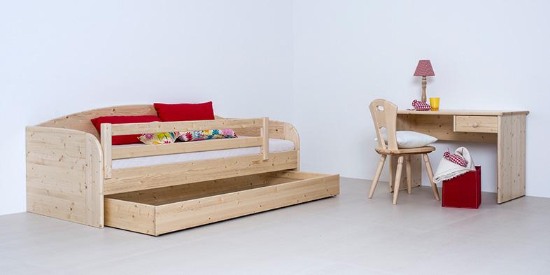 2er-Sofa oder Bett, Schreibtisch in verschiedenen Massivhölzern