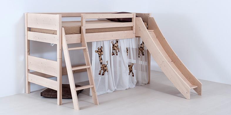Massivholz-Stockbett mit Leiter und Rutsche