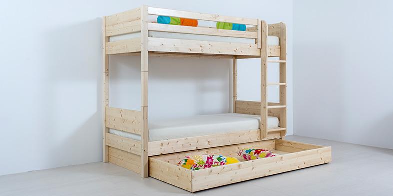 Stockbett in Zirbenholz massiv, unterteilbar in zwei Einzelbetten