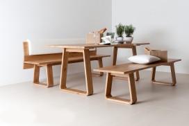 Bänke und Tisch aus Massivholz