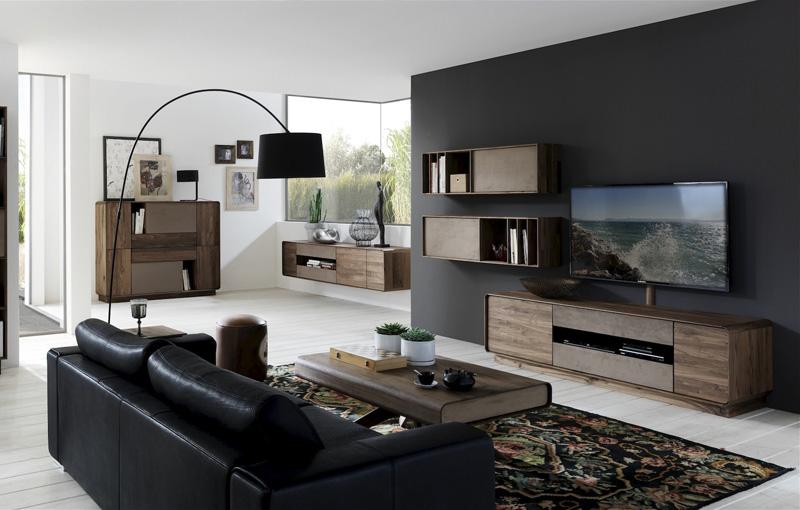 Wohnzimmer in Wildnuss massiv