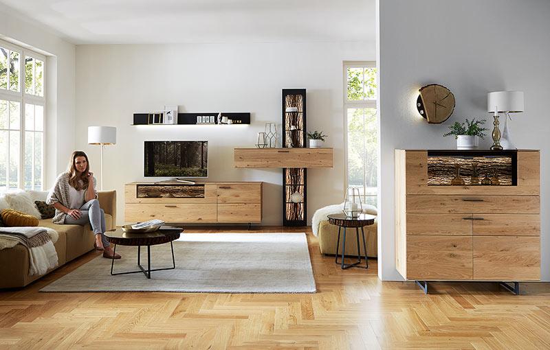 Gemütliches Wohnzimmer in Kerneiche natur