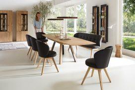 Tischgruppe, Geschirrschrank in Kerneiche natur