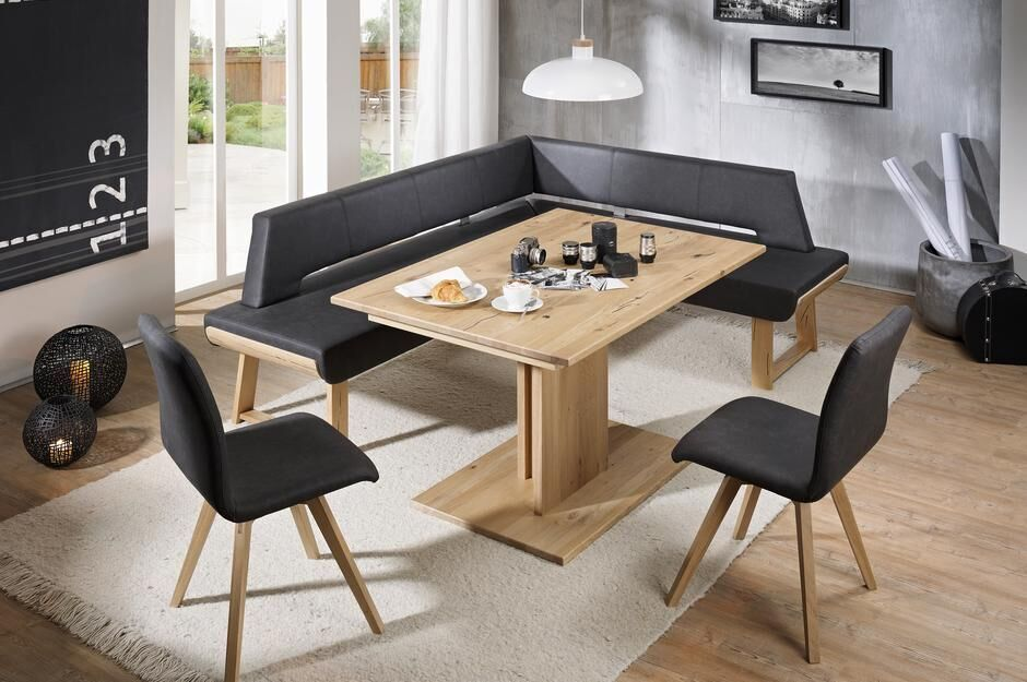 Tischgruppe mit zwei Stühlen