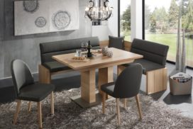 Moderne Eckbank mit Tisch und Stühlen