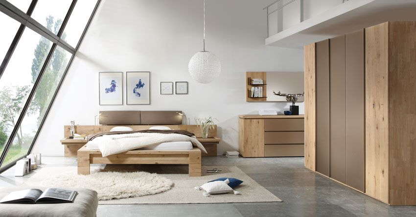 Massivholz-Schlafprogramm aus hellem Holz, Schrank