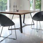 Moderne Tischgruppe