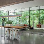 Tischgruppe mit Stühlen, Holz, Metall, Leder