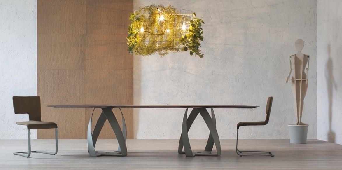 Moderne Speisezimmer-Tischgruppe