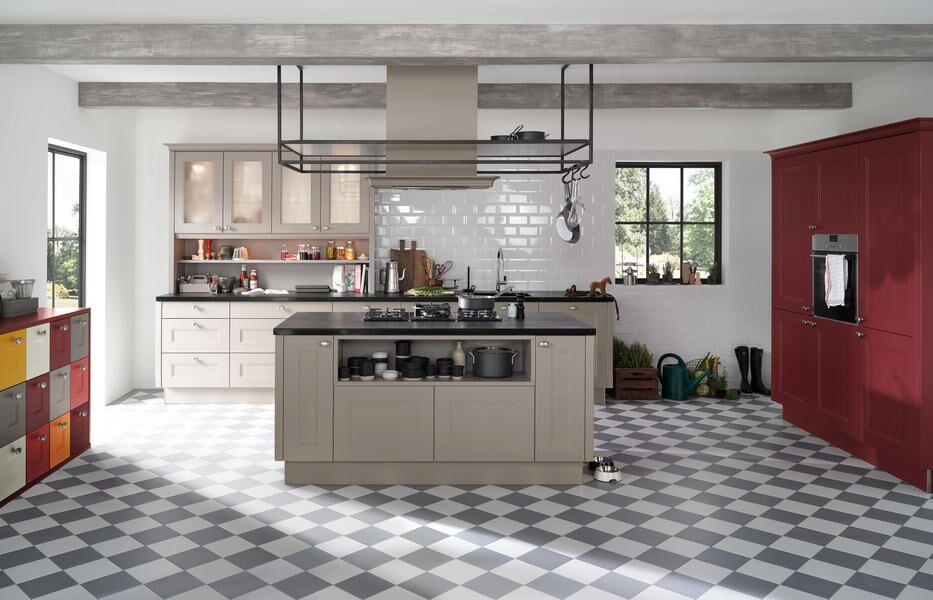 Rustikale Einbauküche grau / rot