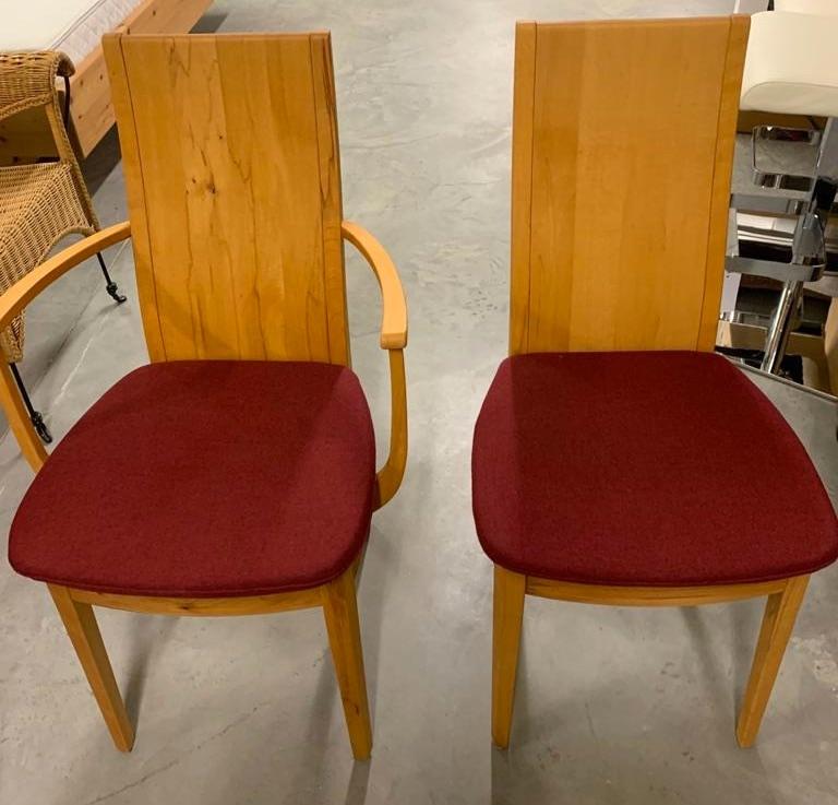 Stühle in Kernbuche massiv
